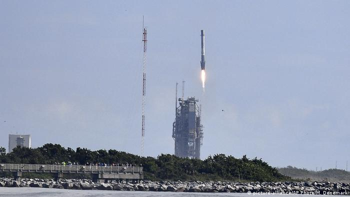 SpaceX X-37B Rakete Start (picture-alliance/AP Photo/M. Denemark)