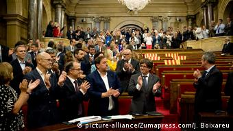 В парламенте Каталонии после решения о проведении референдума (сентябрь 2017 года)