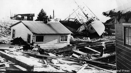 Damage from the 1964 Alaskan earthquake (Getty Images/Central Press)