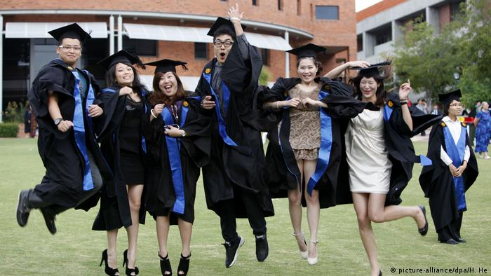 Australia Perth - Chinesische Studenten (picture-alliance/dpa/H. He)