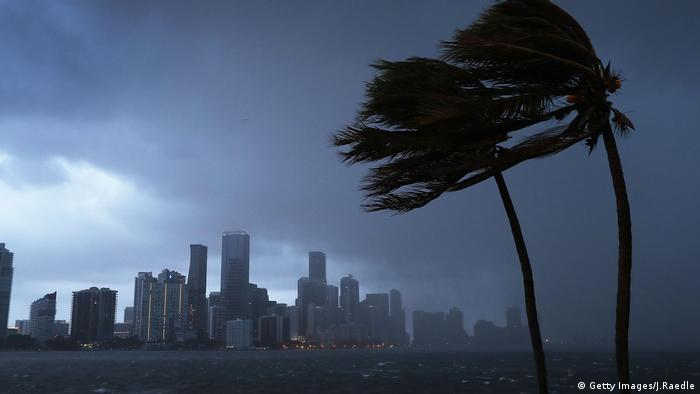 Ventos fortes chegam a Miami