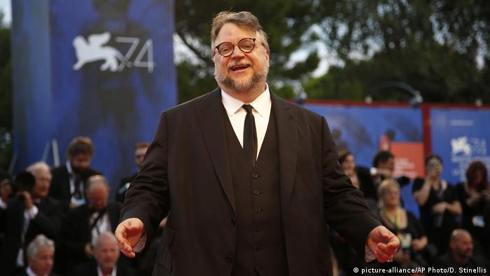 Guillermo del Toro at the Venice Film Festival award ceremony (picture-alliance/AP Photo/D. Stinellis)