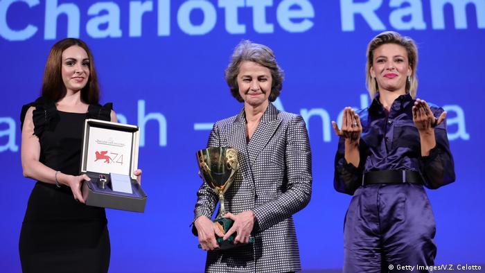 Шарлотта Рэмплинг - обладательница приза за лучшую женскую роль