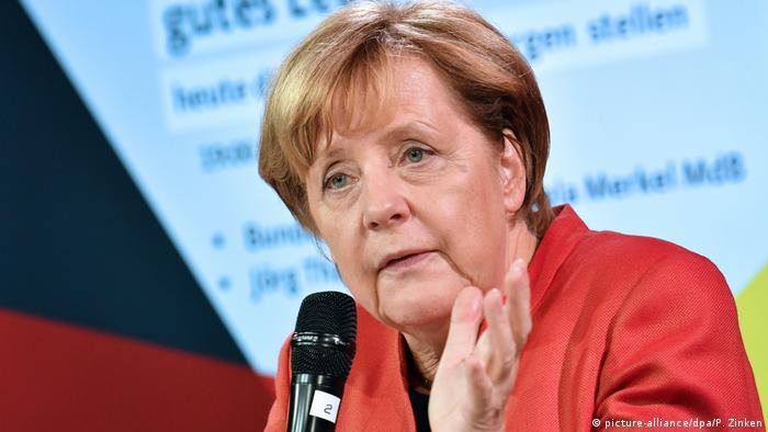 Deutschland Bundeskanzlerin Angela Merkel in Berlin (picture-alliance/dpa/P. Zinken)