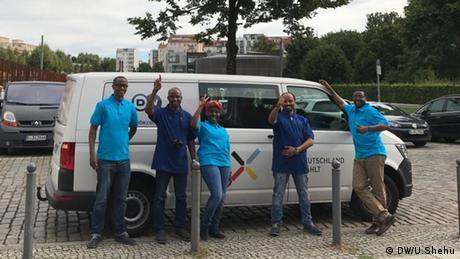 DW Bus Germany Decides Bundestagswahl 2017