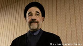 محمد خاتمی: «بیانات رهبری در ۱۴ خرداد میتوانست و میتواند روزنه امیدی به آینده بگشاید.»