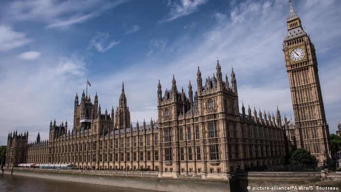 Parlamento e o relógio Big Ben, em Londres