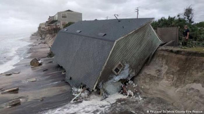 Irma, el que fuera el huracán más poderoso registrado nunca en el Atlántico, se degradó hoy a depresión tropical en su avance por el sureste de Estados Unidos, según informó el Centro Nacional de Huracanes (CNH) de ese país. (12.09.2017).