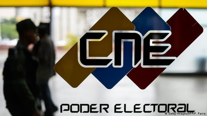Venezuela Wahlkommission CNE Schild Gebäude (Getty Images/AFP/F. Parra)