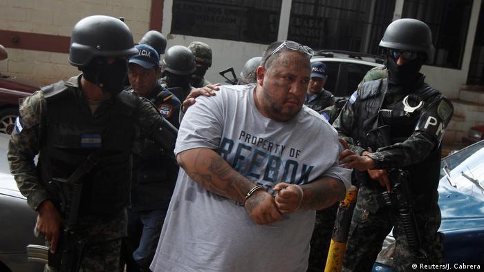 Ricky Zelaya aka Boxer Huber 18 gang Polizei Soldaten