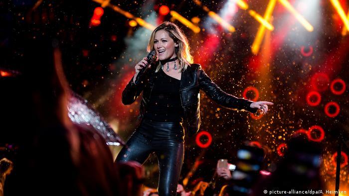 Helene Fischer auf der Bühne in Hamburg.
