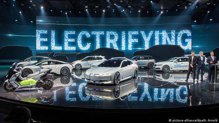 Frankfurt Show Shines Electric Light On Auto Futures News DW - Car light show