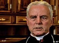 O bispo Richard Williamson, que negou o Holocausto em uma entrevista em 2008