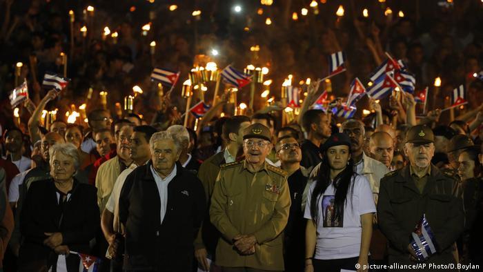 Raúl Castro, José Mujica y Lucía Topolansky