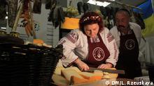 September 2017 Gründer eines Bauernhofes aus der Region Donetsk, die ihre Produkte zeigen