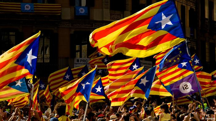 Hundreds of thousands fill the streets demanding the independence of Catalonia in Barcelona