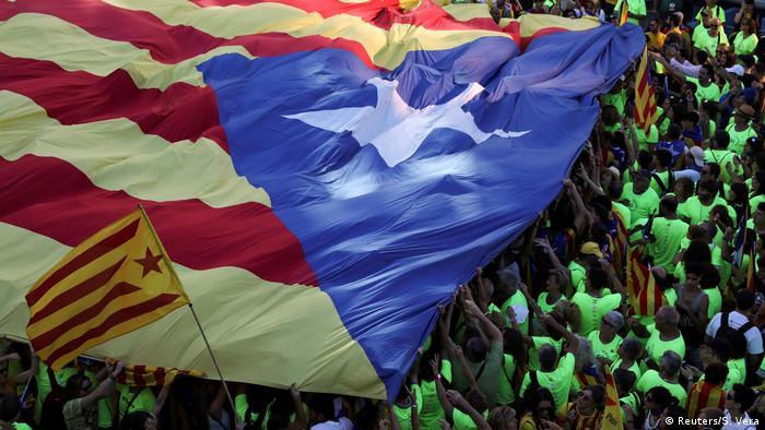 Spanien Demonstration für Unabhängigkeit Katalonien in Barcelona (Reuters/S. Vera)