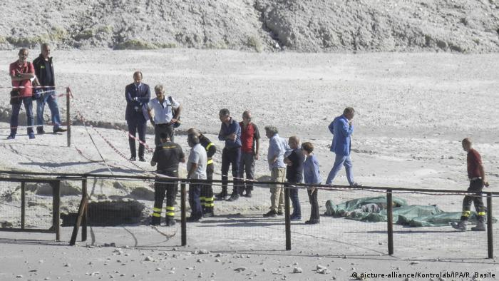 Tourists die after falling into volcano