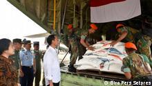 Indonesien Jakarta Präsident Joko Widodo beaufsichtigt Hilfe für Rohingya