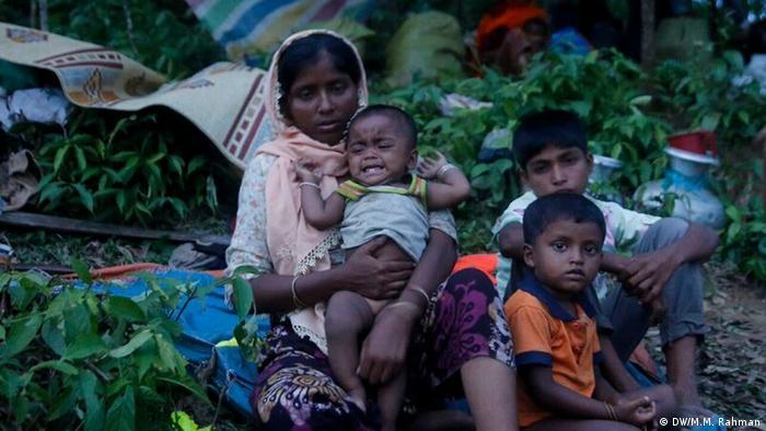 Organizações internacionais estimam que quase meio milhão de rohingyas já fugiram para Bangladesh