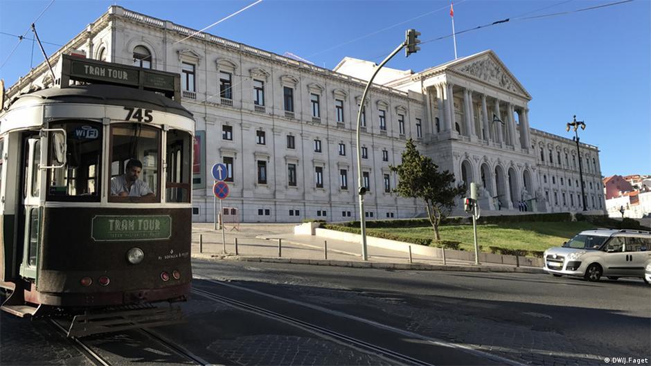 portugal tourismus gegen staatsschulden wirtschaft dw. Black Bedroom Furniture Sets. Home Design Ideas