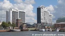 Bremerhaven: Seglerhafen mit Blick auf das Columbus shopping Center | Verwendung weltweit