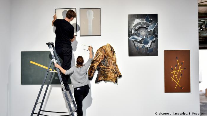 Deutschland Berlin - Aufbau der Berlin Art Week