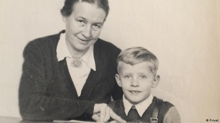 Hermann Lüdeking i njegova nova njemačka mama 1942.