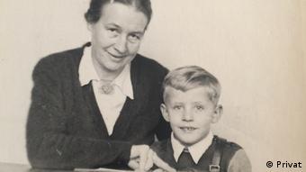 Maria Luedeking und Hermann Luedeking - ein Junge der 1942 vom Verein Lebensborn vom Nazi-besetzten Polen ins Lebenbornheim in Kohren-Sahlis gebracht wurde (Privat)