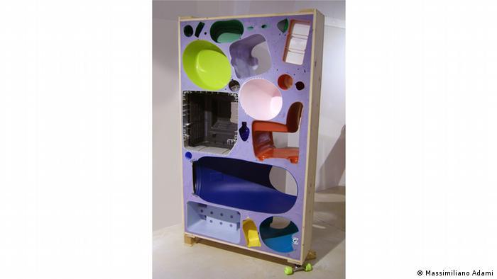 Комнатная перегородка из пластмассовых отходов