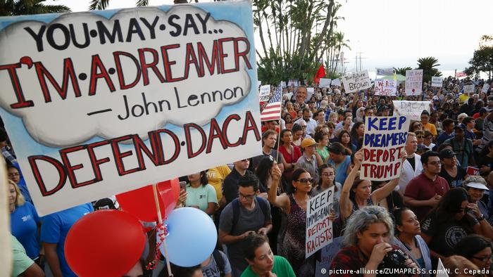 USA San Diego DACA Demonstration (picture-alliance/ZUMAPRESS.com/N. C. Cepeda)