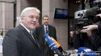 Njemački ministar vanjskih poslova Frank-Walter Steinmeier (SPD) odgovara na pitanja novinara