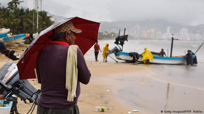 Mexiko Acapulco vor Ankunft Hurrikan Max (Getty Images/AFP/F. Robles)