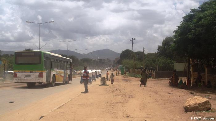 A street in the eastern Ethiopian city of Jijiga (DW/T. Waldyes)