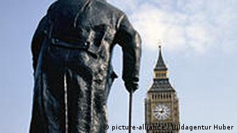 Churchills Statue Big Ben