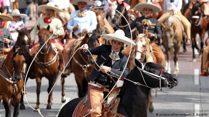 Mexiko Unesco ernennt Charrería als Weltkuturerbe (picture-alliance/dpa/U.R. Basurto)