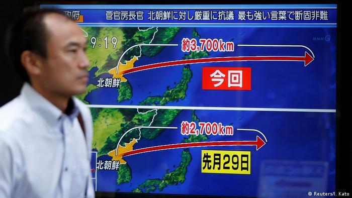 Nordkorea feuert erneut Rakete über Japan hinweg (Reuters/I. Kato)