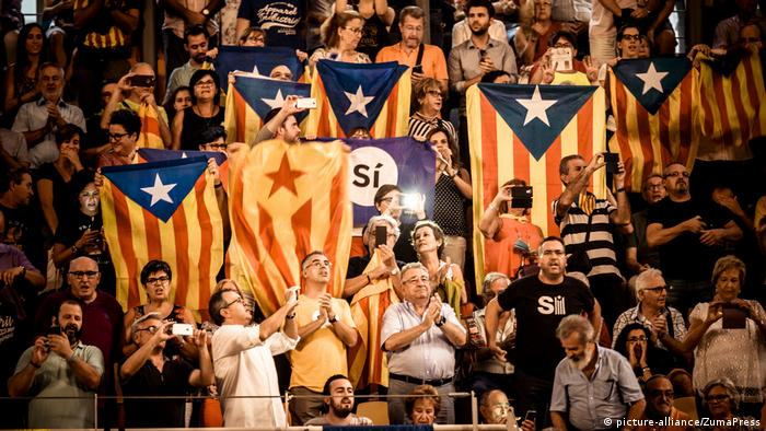 Spanien Katalonien Referendum (picture-alliance/ZumaPress)