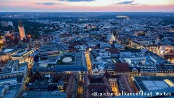 Spielort EM 2024 - Leipzig am Abend (picture-alliance/dpa/J. Woitas)