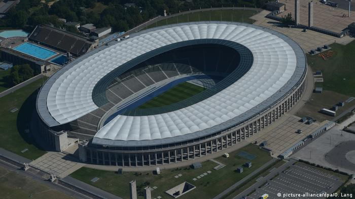 Spielort EM 2024 - Olympiastadion Berlin (picture-alliance/dpa/O. Lang)