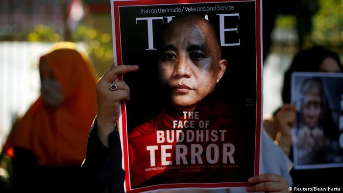 Indonesien Protest gegen die Vertreibung der Rohingya vor der Botschaft von Myanmar in Jakarta