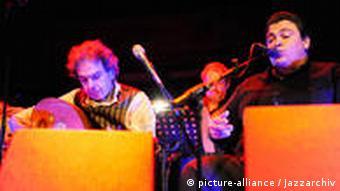 Rabih Abou Khalil bei einem Konzert in Hamburg(Foto: picture-alliance / jazzarchiv)