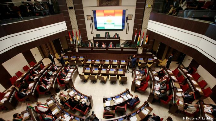 Irak Erbil - Parlamentssitzung zum Unabgängigskeitsreferendum (Reuters/A. Lashkari)