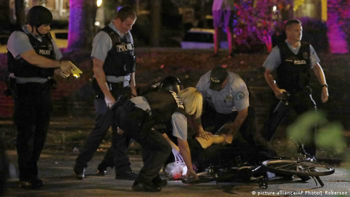USA Proteste in St. Louis nach Freispruch für Polizisten (picture-alliance/AP Photo/J. Roberson)