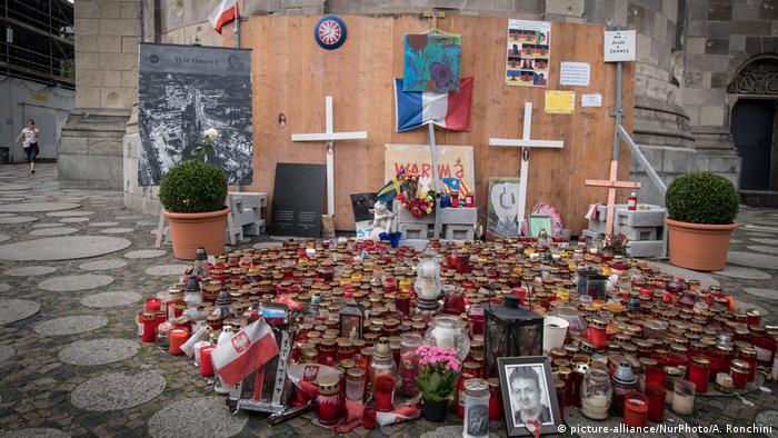 Candles at Breitscheidplatz (picture-alliance/NurPhoto/A. Ronchini)