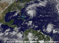 Карибський басейн захопили тропічні шторми та урагани