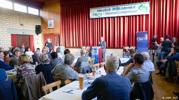 CSU-Veranstaltung von Emmi Zeulner im Vereinsheim in Ludwigschorgast mit CDU-Gastredner Wolfgang Bosbach (Foto: DW/P. Böll)