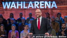 Martin Schulz in a townhall interview Wahlarena (picture-alliance/dpa/J. Büttner)