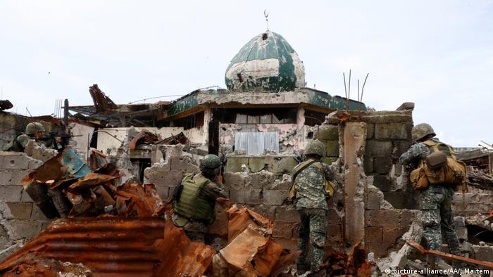 Marawi Philippinen Zusammenstöße Soldaten Islamismus (picture-alliance/AA/J.Maitem)