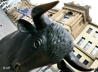 The bull statue in front of the stock exchange in Frankfurt